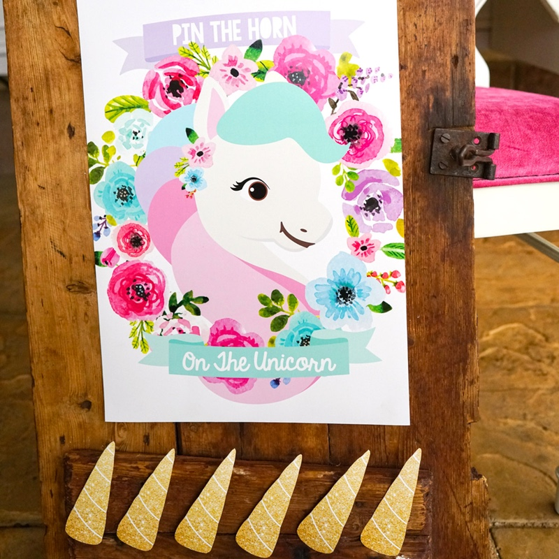 Unicorn party game pin the horn